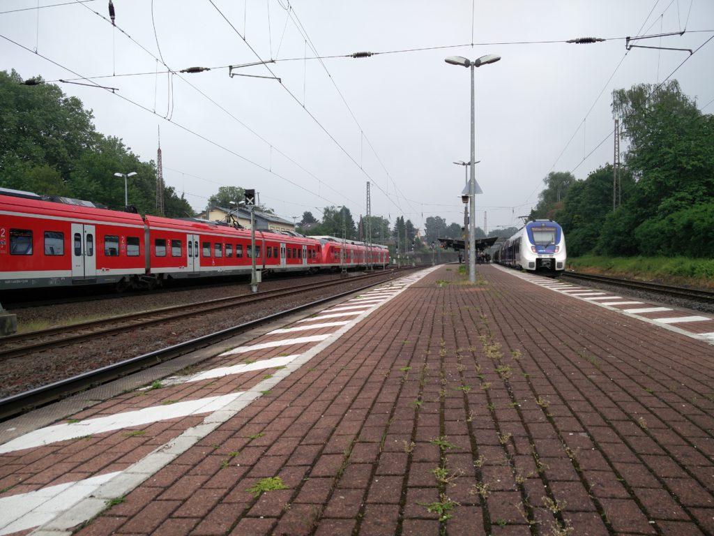 BdT - Bf mit Zügen
